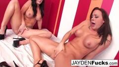 Sweet Jayden Jaymes fucks Chanel Preston hard! Thumb
