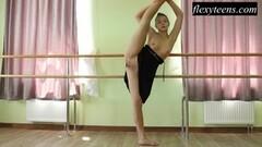 Regina Blat performs pussy flashing positions Thumb