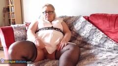 Stocking clad BBW rubs her warm pussy Thumb